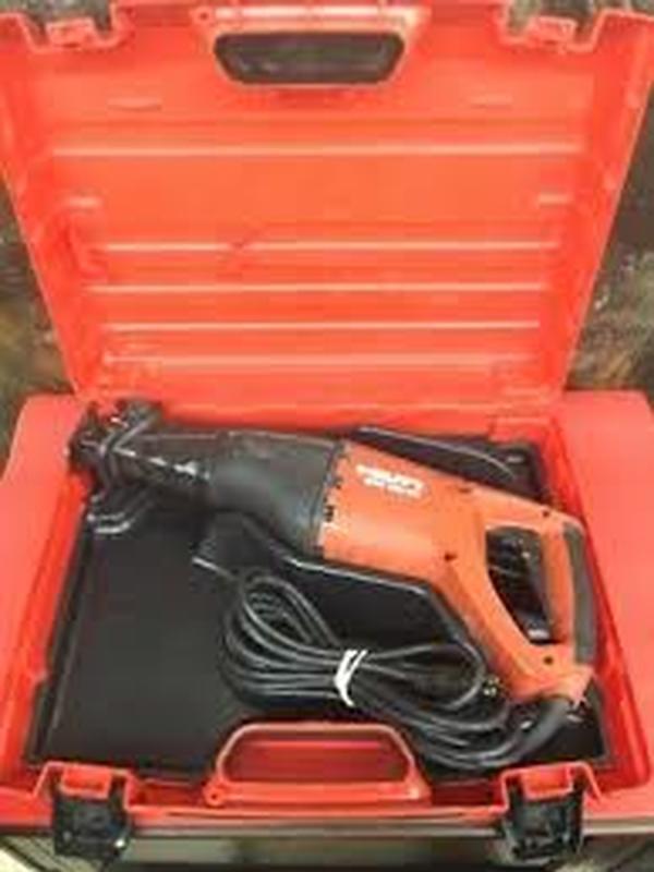 Huur reciprozaag HILTI WSR 1250PE 230V ( borg 175,00 € )