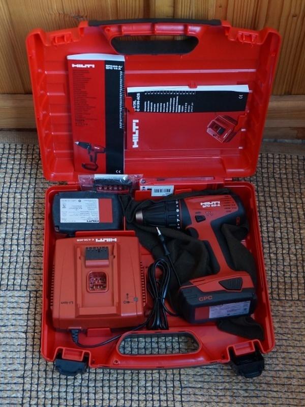 Huur schroefmachine HILTI SFC 22 + gebruik bits ( borg 150,00 € )